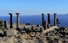 Assos doric columns