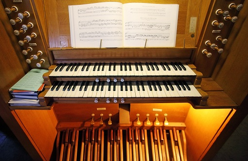 Downing College's existing organ