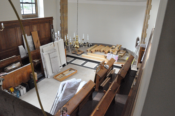 Arrival of parts of the new organ in the College chapel